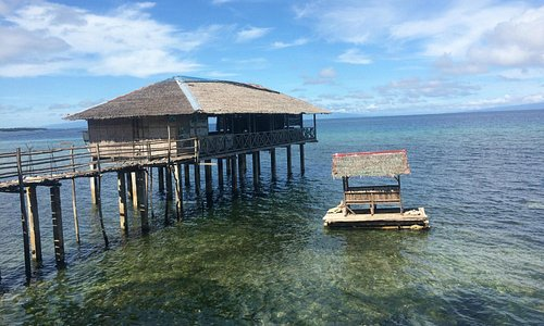Simple restaurant and bar on the water... secluded with amazing views!