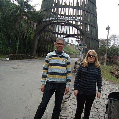 Monumento em forma de Pipa de vinho - Pórtico de entrada da cidade de Bento Gonçalves, RS