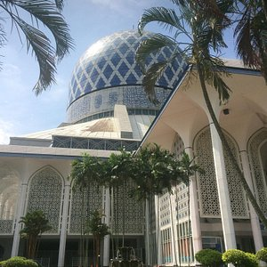 My favorite mosque in Malaysia. Love this blue dome in the blue sky.