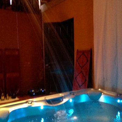 Hot tub with cold shower
