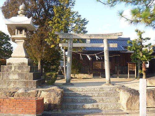 """""""龍神社""""の鳥居と拝殿"""