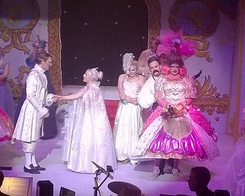 Cinderella meets Prince 'very' Charming!