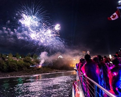 Enjoy the Fireworks on our Night Tour overlooking the Falls!