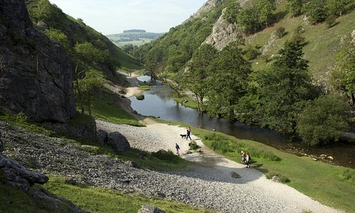 Dovedale valley