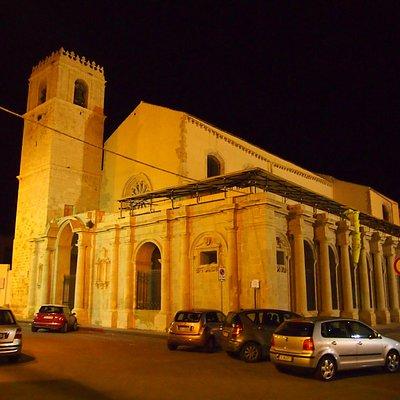 Santa Lucia al Sepolcro at night
