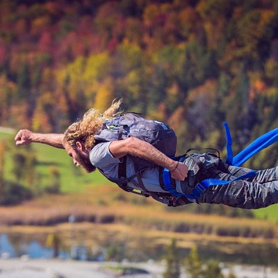 Bungee Jumping. NYC to Canada