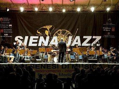 Big Band live in Jacopo della Quercia (Duomo)