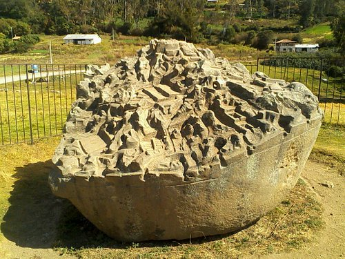 This is the Saywite stone. It has 11 metres in circumference approx. It is said it represents a
