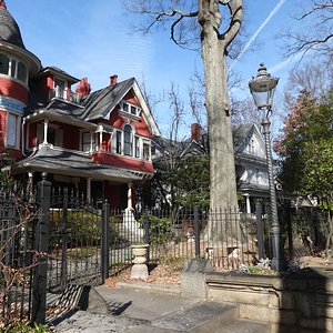 one of many houses in Inman Park