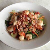 Scallop, prawn and bacon salad