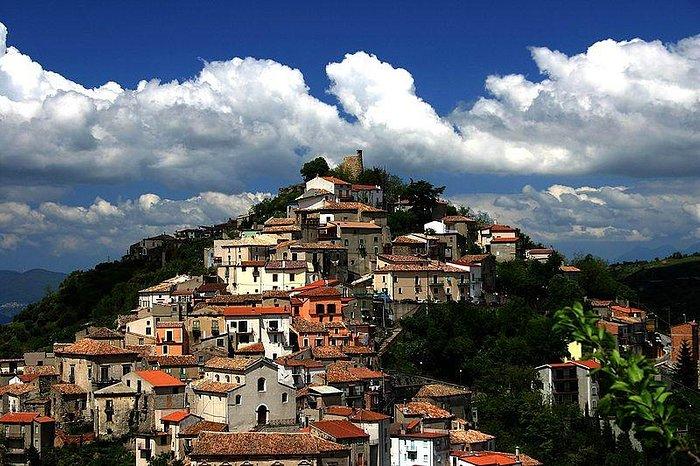 Acri centro storico i quartieri più antichi