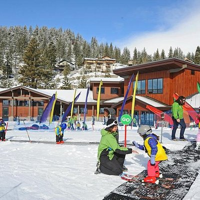 The Child Ski Center has a dedicated surface lift and learning area.