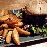 Pulled Pork Burger + darker Lager beer