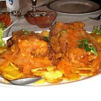 Bacalhau à Neves, frito com cebolada e batatas às rodelas, muito saboroso. Paulo Sérgio - Malhou