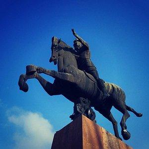 Vardan Mamikonyan Statue