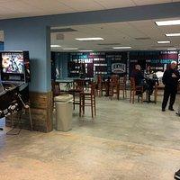 Jekyll Brewing - lobby/tour waiting area