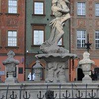 Fontanna Prozerpiny na Starym Rynku w Poznaniu