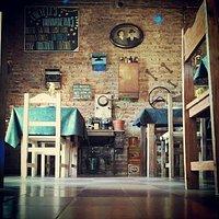 Los Miranda Resto Bar Club