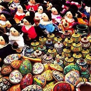 Artesanías en el Mercado Artesanal.