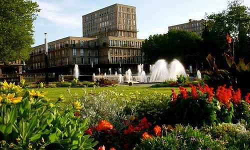 jardins de l'hôtel de ville en juin