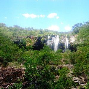 Cachoeira da Gruta vista de longe