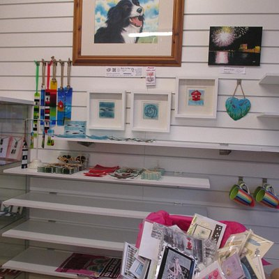 Great artwork available,  such as the dog in watercolour by Steve Diamond.