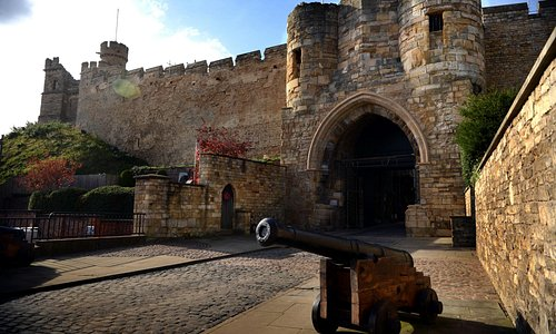 Eastgate to Lincoln Castle