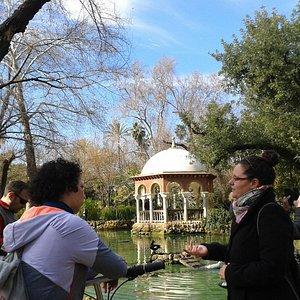 """Pabellón de Alfonso XII en el Parque de Mª Luisa. Ruta """"Pedaleando por la Sevilla de exposición"""""""