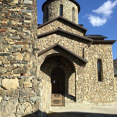 Храм при мужском монастыре