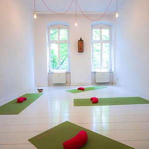 Holistic Yoga Berlin Studio