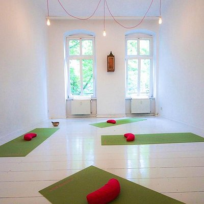 Holistic Yoga Berlin Studio