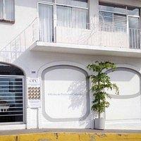 Frente del edificio, calle Juarez 598. Colonia Centro. Puerto Vallarta.