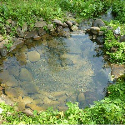 Исчезающий источник с водой