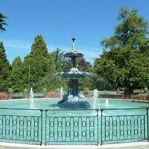 "The spectacular ""Peacock"" Fountain"