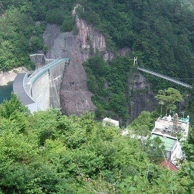 ダムの上まで行けます