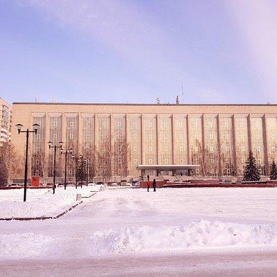библиотека зимой