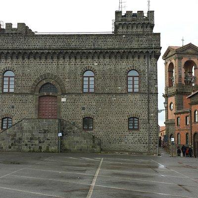 """""""Palazzo dei Savelli"""" e """"l'Asilo Monsignor Giacci"""""""