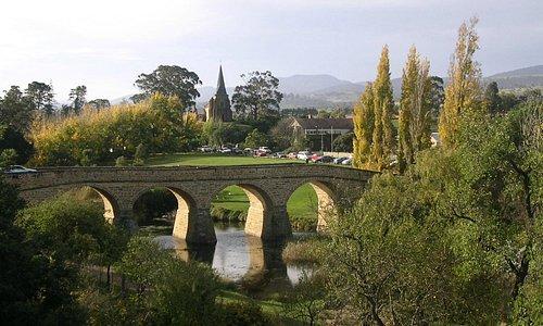 タスマニアの州都ホバートから車で30分のリッチモンド オーストラリアの最古の橋と教会 タスマニアの田舎を代表するのんびりとした村です
