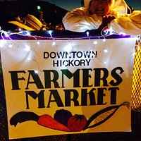 Hickory farmers market at the Christmas parade