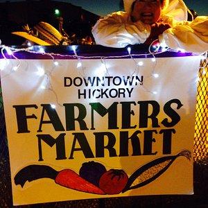 Hickory farmers market at the Christmas parade