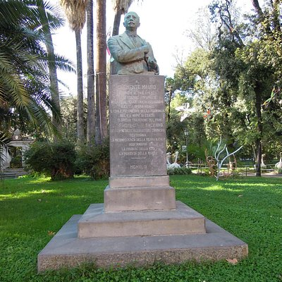 Monumento a Clemente Mauro