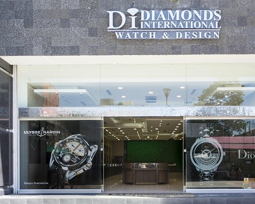 Diamonds International Watch and Design