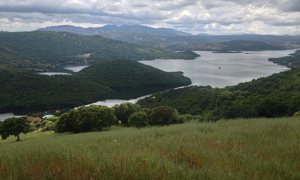 Sant'Antonio di Gallura  Il Lago del Liscia