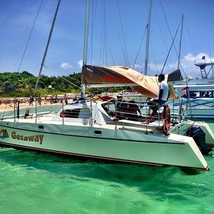 Getaway on a busy day at Icacos