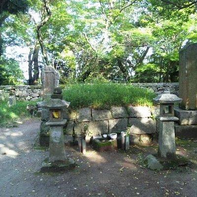 高橋紹運墓