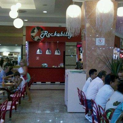 Praça de alimentação no Shopping Brisamar