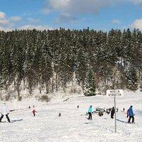 Skihang am Schlepplift, Rodeln verboten