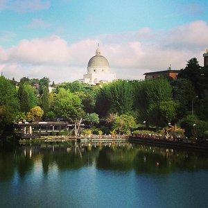 Basílica de San Pedro y Pablo al Eur