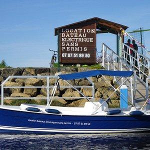 Notre base est situèe au port du Teich