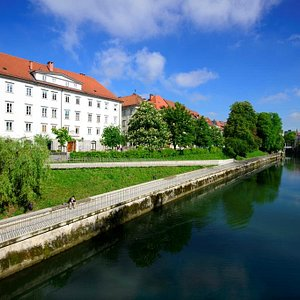 The Ljubljanica river and Zois Palace (Galeria River) behind